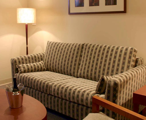Batman Hill Guestroom Lounge