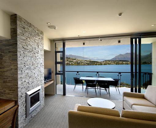 Rees Guestroom Lounge